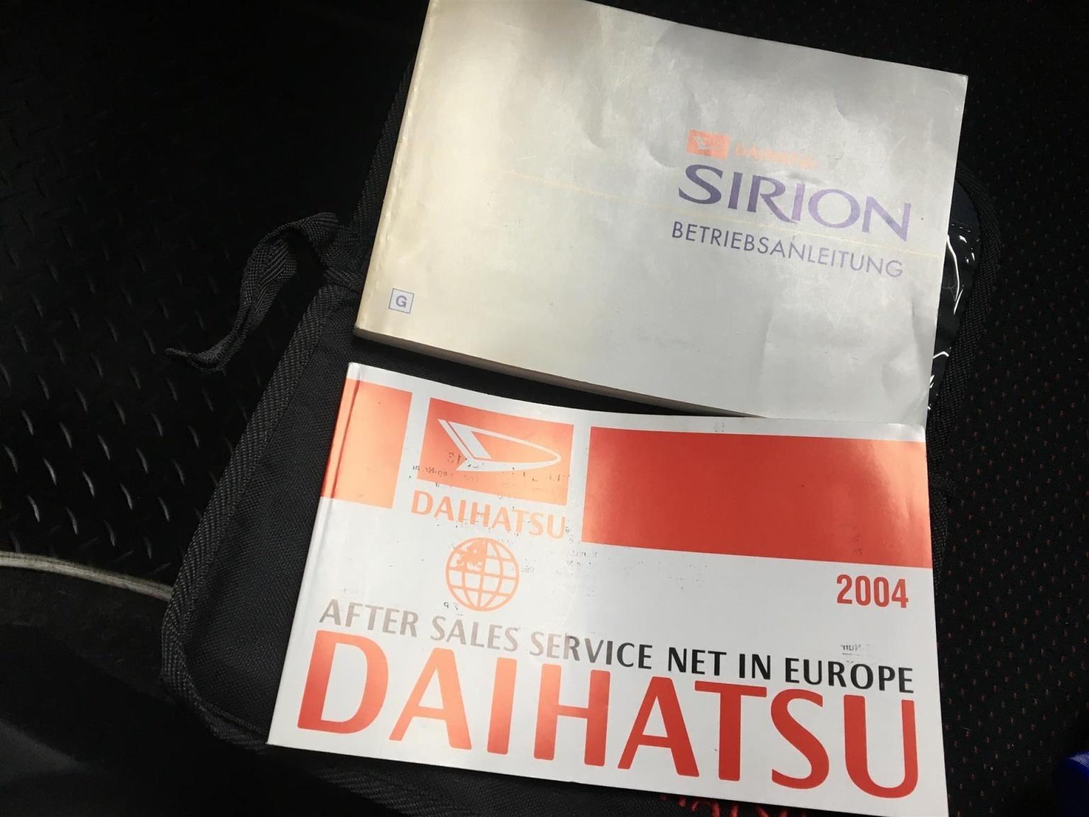 Daihatsu-Sirion-10