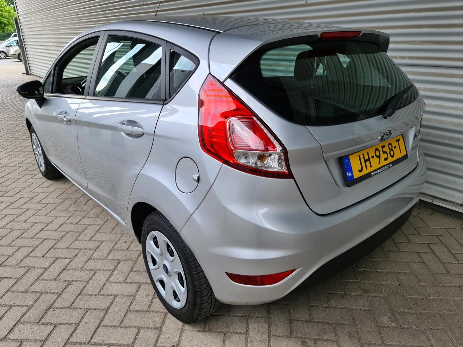Ford-Fiesta-3
