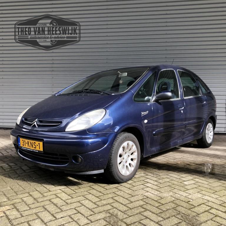 Citroën-Xsara Picasso-thumb
